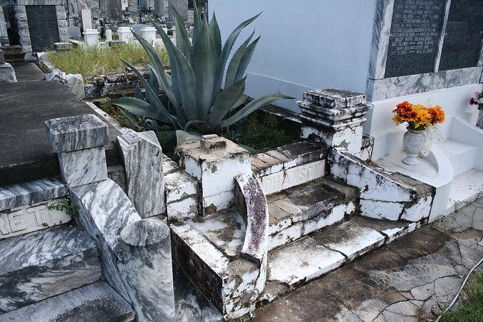 New Orleans cemetery restoration, cemetery repair, tomb repair, tomb restoration, grave cleaning painting