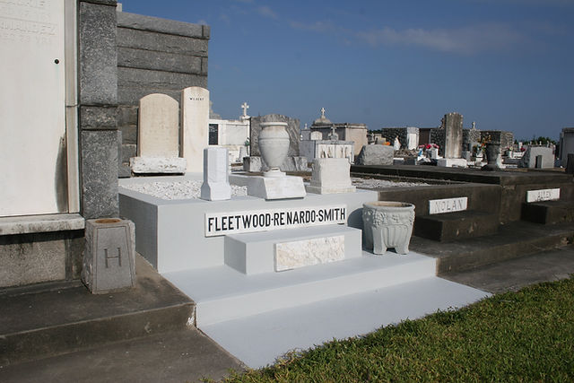 New Orleans cemetery restoration, tomb repair, tomb restoration cleaning painting