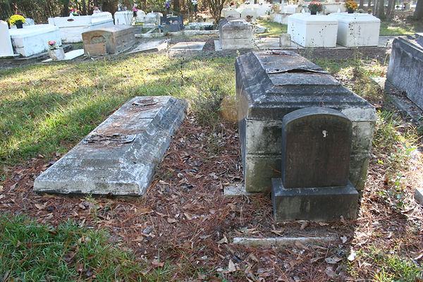 New Orleans tomb renovation