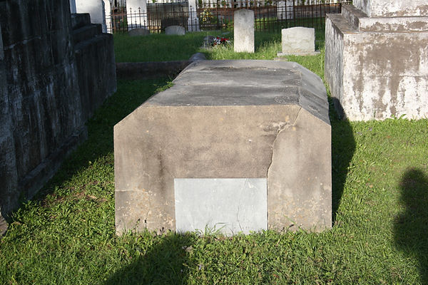 New Orleans cemetery restoration, tomb repair, cemetery repair, tomb restoration, grave cleaning painting renovation