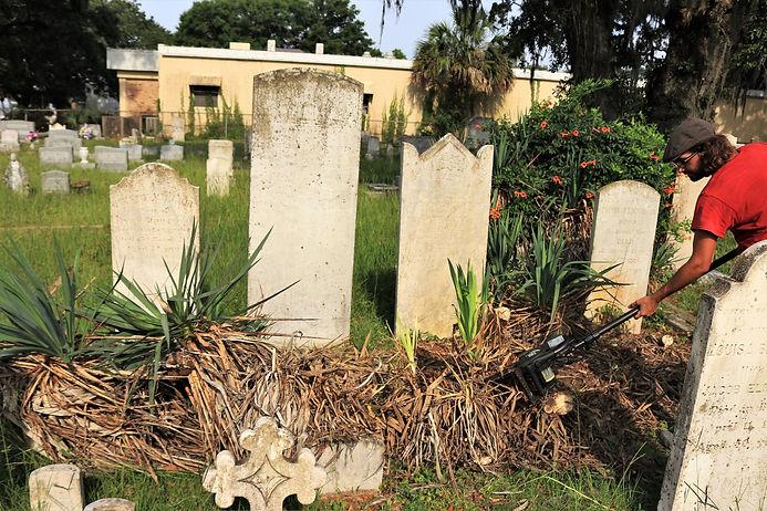 New Orleans cemetery repair, tomb restoration, tomb repair, cemetery restoration cleaning painting grave care