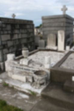New Orleans tomb repair, cemetery repair, tomb restoration painting cleaning