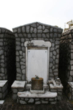 New Orleans tomb restoration, cemetery repair, tomb repair, grave cleaning, painting