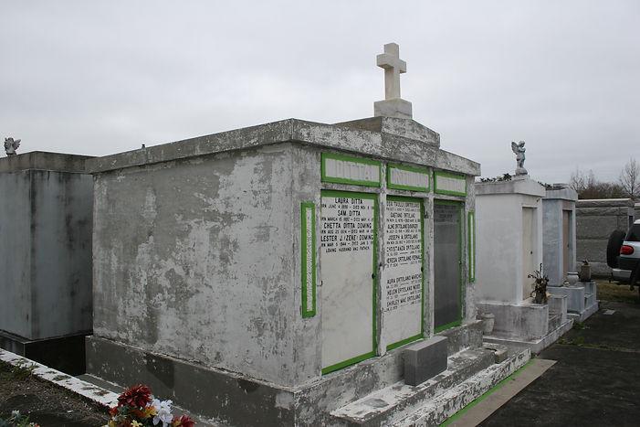 New Orleans tomb restoration cemetery repair tomb repair cleaning painting