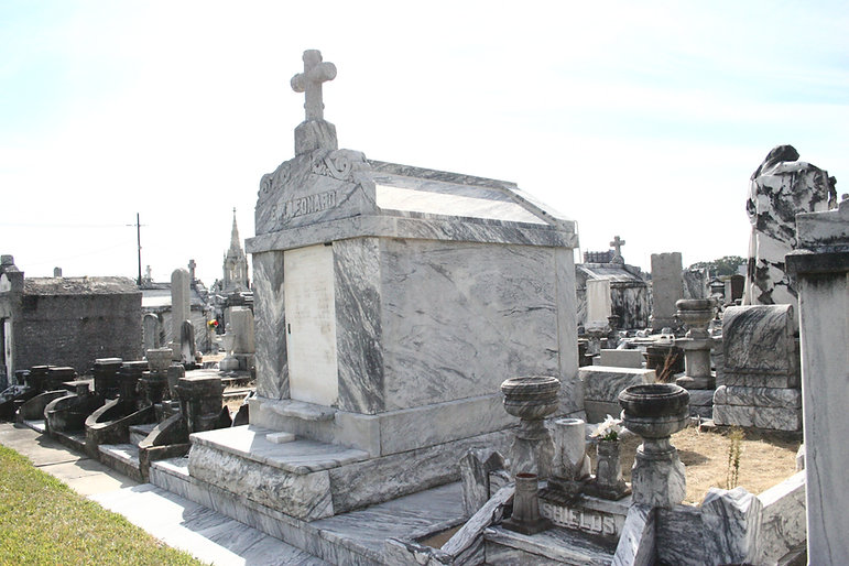 New Orleans cemetery repair, tomb restoration, tomb repair, cemetery restoration, New Orleans tomb grave cleaning painting