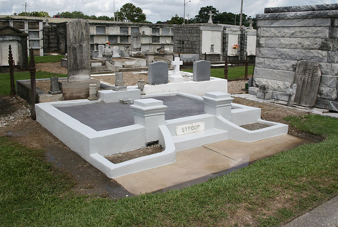 New Orleans cemetery repair, tomb repair, cemetery restoration, tomb restoration, grave cleaning painting