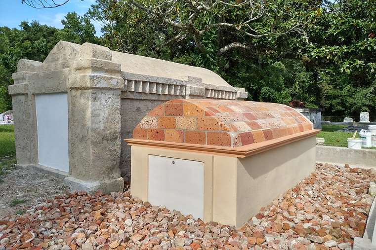 New Orleans cemetery repair, tomb restoration, tomb repair, cemetery restoration, New Orleans tomb grave cleaning painting renovation