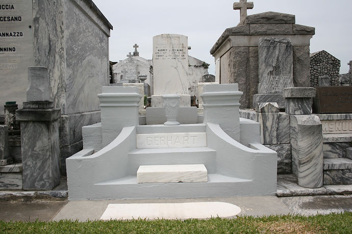 New Orleans cemetery repair, tomb restoration tomb repair cleaning painting