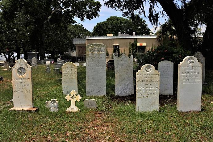 New Orleans cemetery repair, tomb restoration, cemetery restoration, tomb repair grave cleaning painting