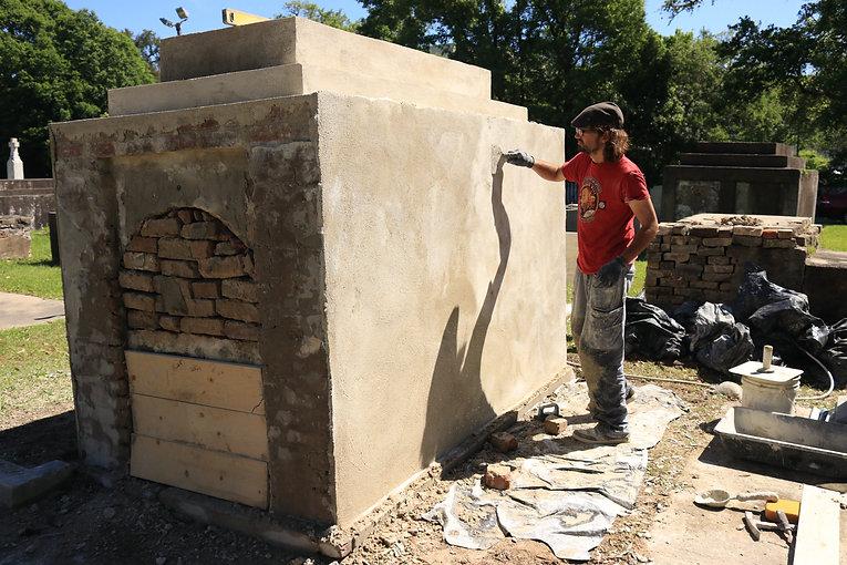 New Orleans cemetery repair, tomb restoration, tomb repair, cemetery restoration, tomb grave cleaning painting