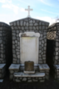 New Orleans tomb restoration, cemetery repair, tomb repair cleaning painting, headstone repair