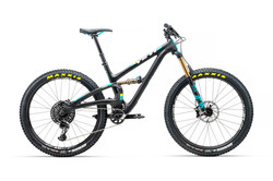 2018_YetiCycles_SB5_Plus_TS_Black_X01