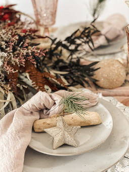 Rustic Tablestyling..JPG