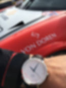 Marius med klokken.jpg