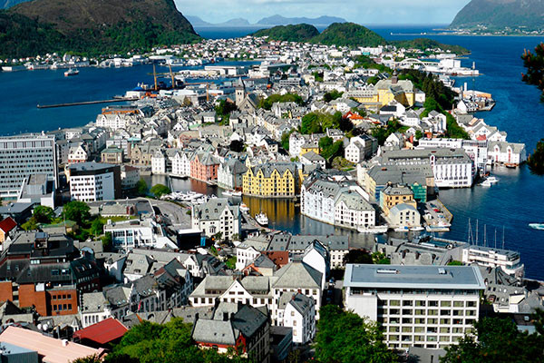 Overview of Ålesund from top of Aksla