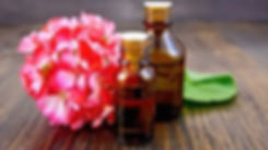 Geranium-Oil-for-Skin-e1492773679464.jpg
