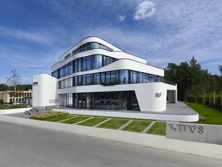 LUV8: Kiến trúc đặc biệt & Tự động hóa thông minh với Loxone Smart Building