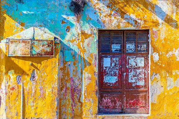 yellowwall.jpg