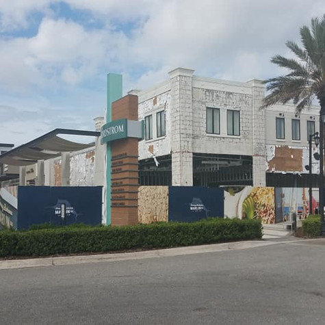 Tommy Bahama Retail & Marlin Bar