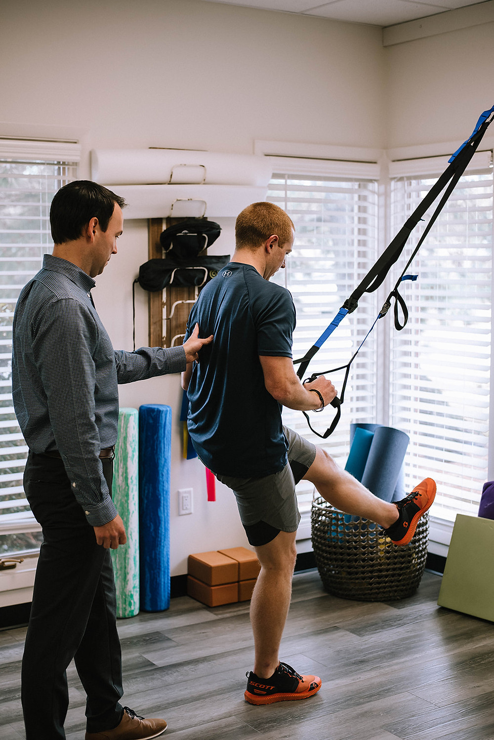 Skilled Professionals in Physical Therapy, Chiroptic, sport, yoga,