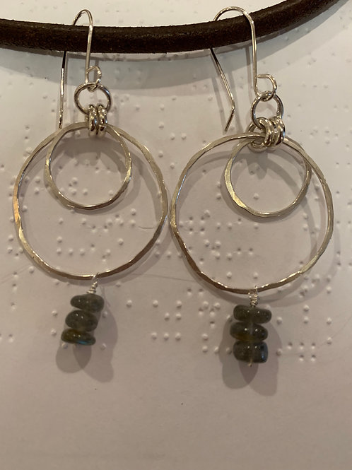 Double hoops with labradorite beads