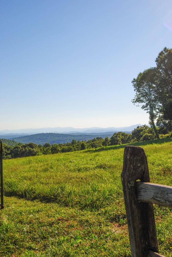 2019_HGW_Merry Oak mountain view.jpg