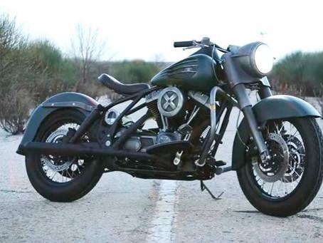 La moto de 'Logan' es una Harley Davidson con adamantium