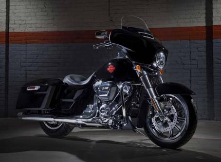 Harley-Davidson Electra Glide Standard: ¡máxima experiencia touring!