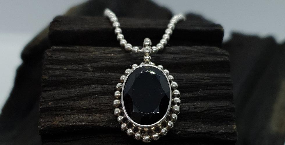 Sølvkæde med sort spinel