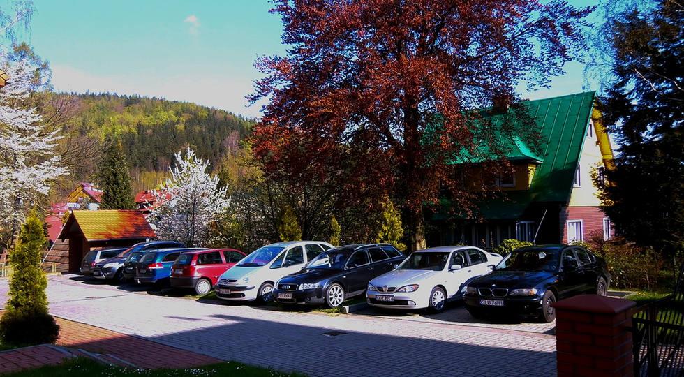 parking-na-posesji_edited.jpg