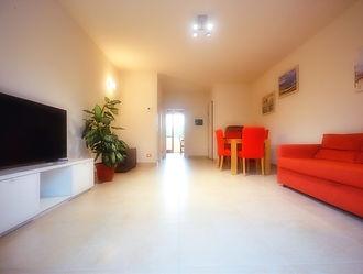 Ampio appartamento via Pietro Reali, Cà