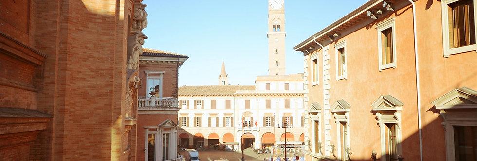 Ufficio/Studio con affaccio su Piazza Aurelio Saffi, Centro Storico, Forlì