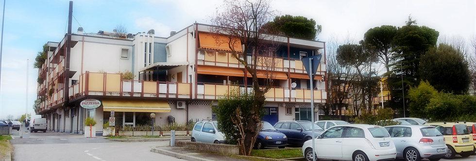 Appartamento con terrazzo via Vittorio Locchi, Romiti, Forlì