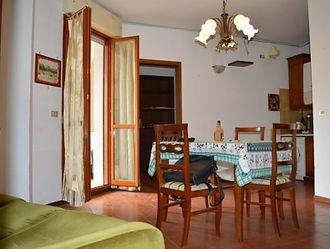 Appartamento con terrazzo via Vittorio L