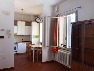 Appartamento_bilocale_Piazza_Cavour,_Cen