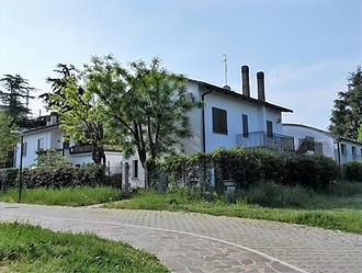 Casa indipendente bifamiliare via Alessa