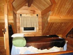 cabin1bed2big