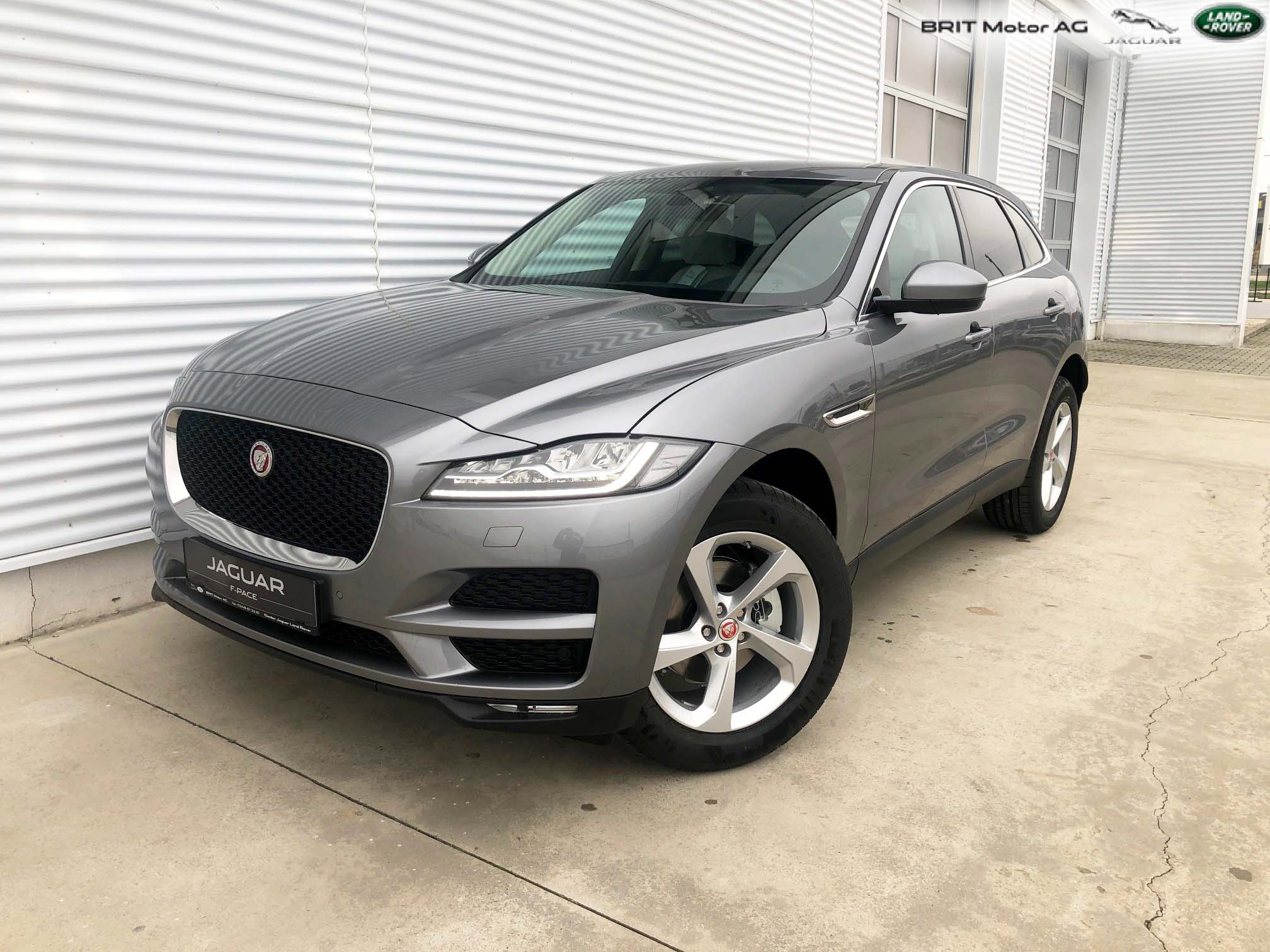 F-PACE (8)