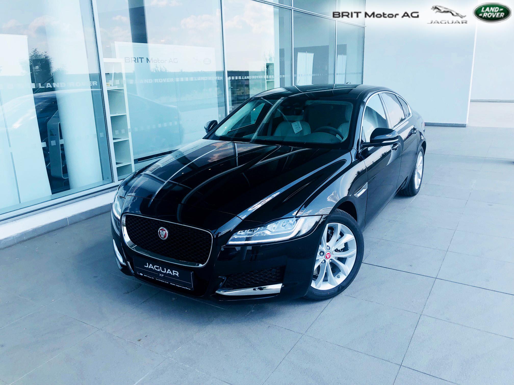 Fotografii Jaguar XF 2