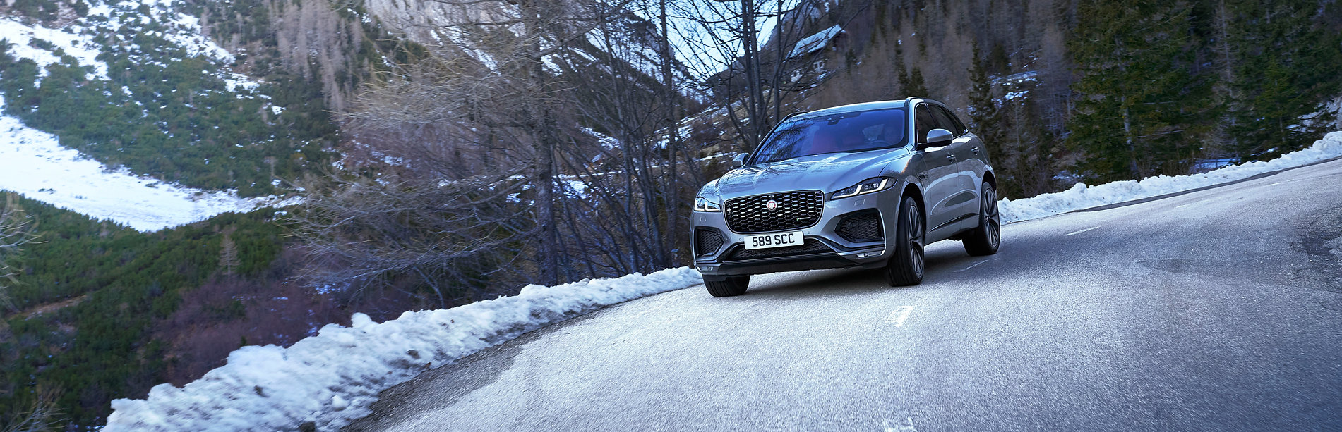 Jag_F-PACE_21MY_Location_Driving_150920_