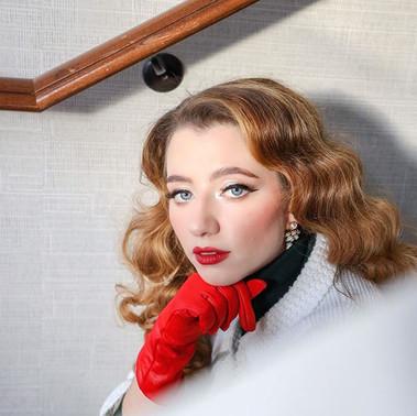 She glows ❤️✨ Model_ _thefancynanny _Org