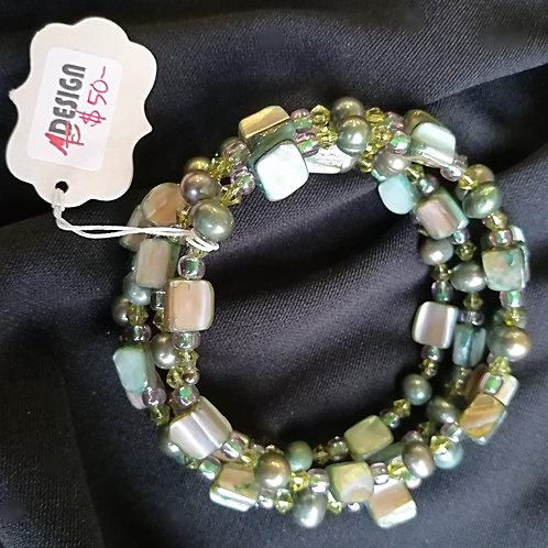 Peridot Pearl & Frosted Basil Shell Memory Bracelet