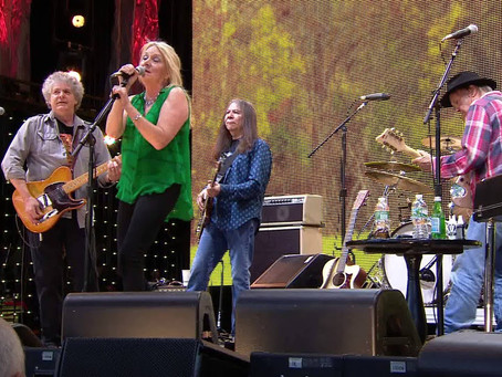 PEGI YOUNG & MAGNATONE LIVE AT FARMAID