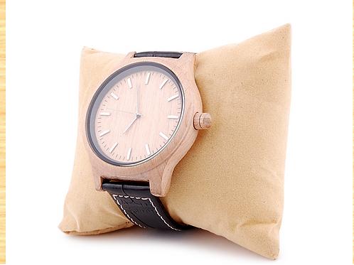 Наручные часы в деревянном корпусе