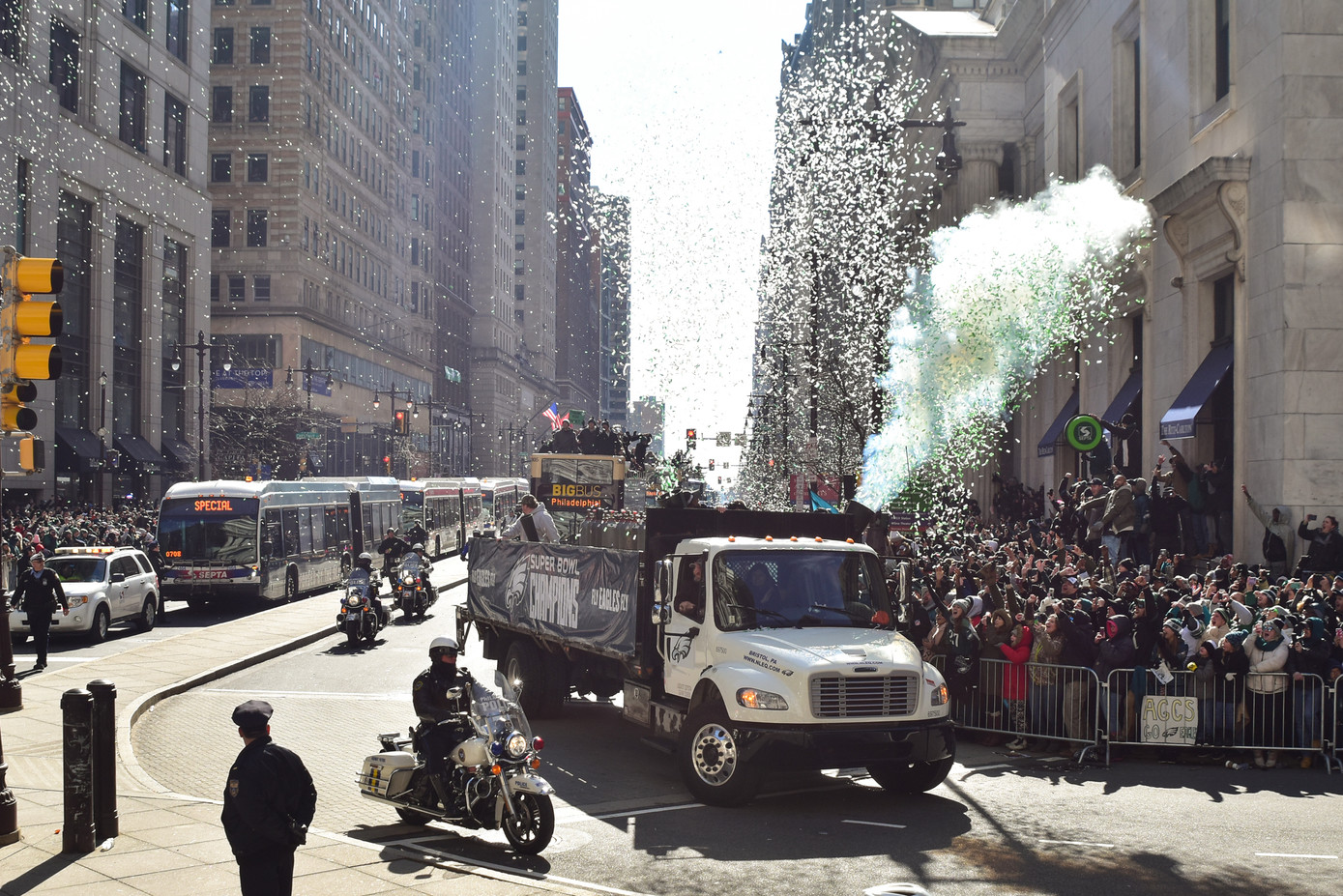 2-8-2018_EaglesParade_credKateFrese-15.j