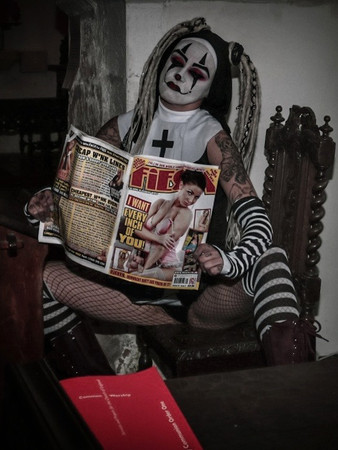Slutty the Clown cathes up on some reading