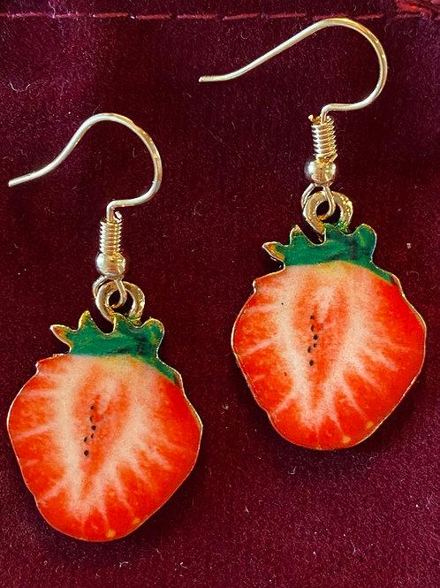 Strawberry Earrings 🍓