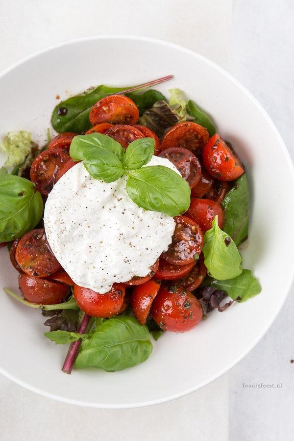 burrata-salade-met-gemarineerde-cherryto