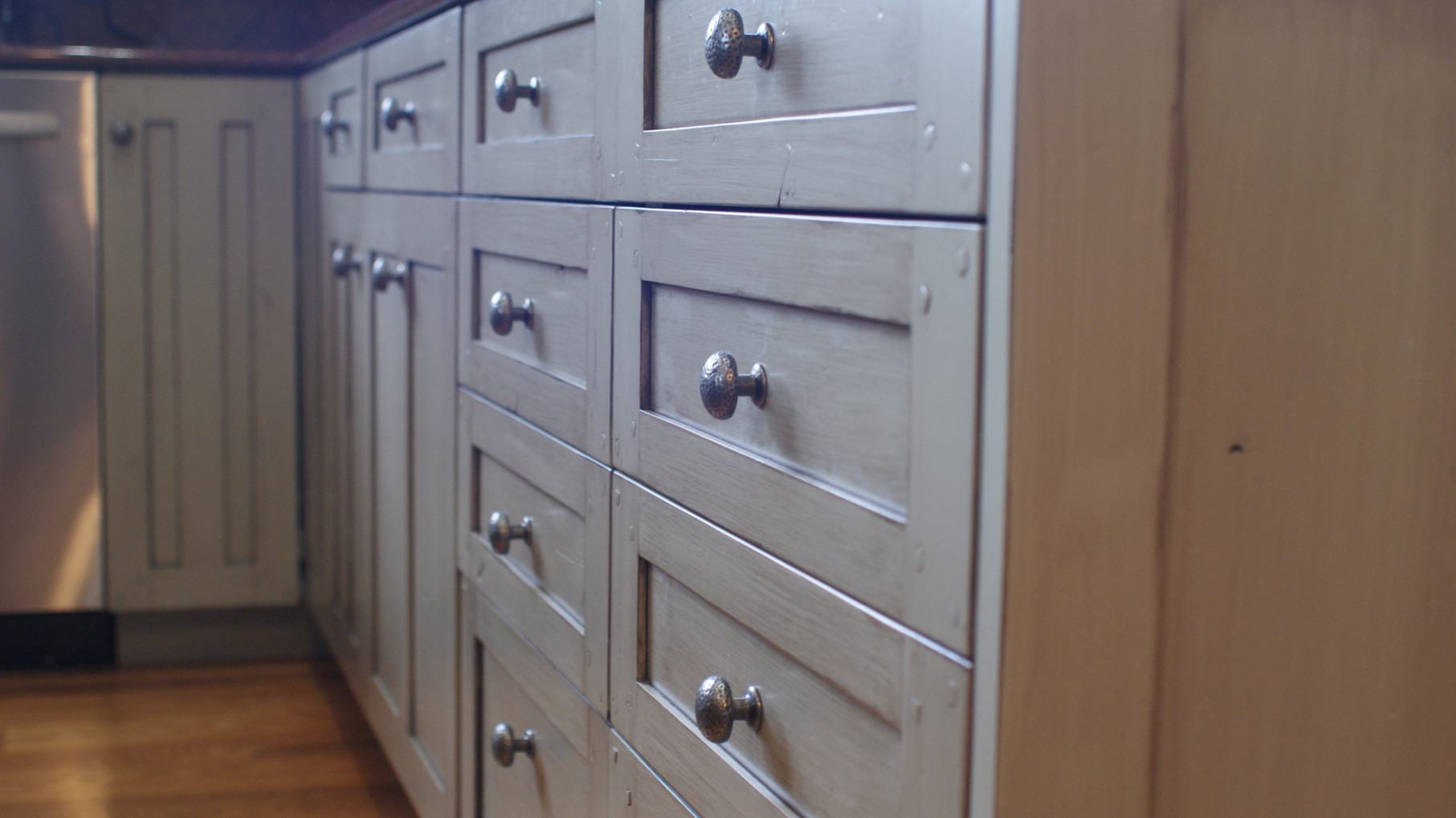 Custom kitchen cabinets (close up)