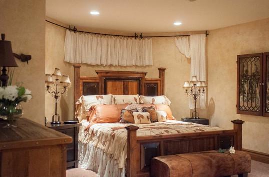 Glazed bedroom walls